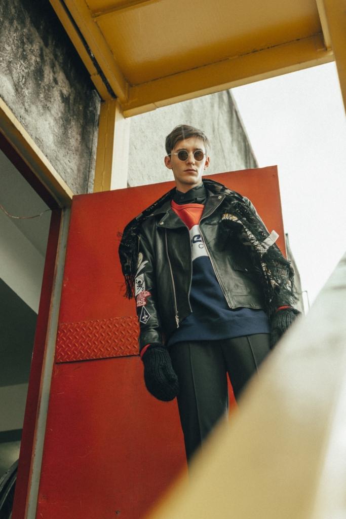 Claudia Pepper - Shirt and pants, Reebok - Sweatshirt, DanCassab - Biker jacket, Adidas Originals - Gloves, Gucci - Glasses, Bimba y Lola - Scarf