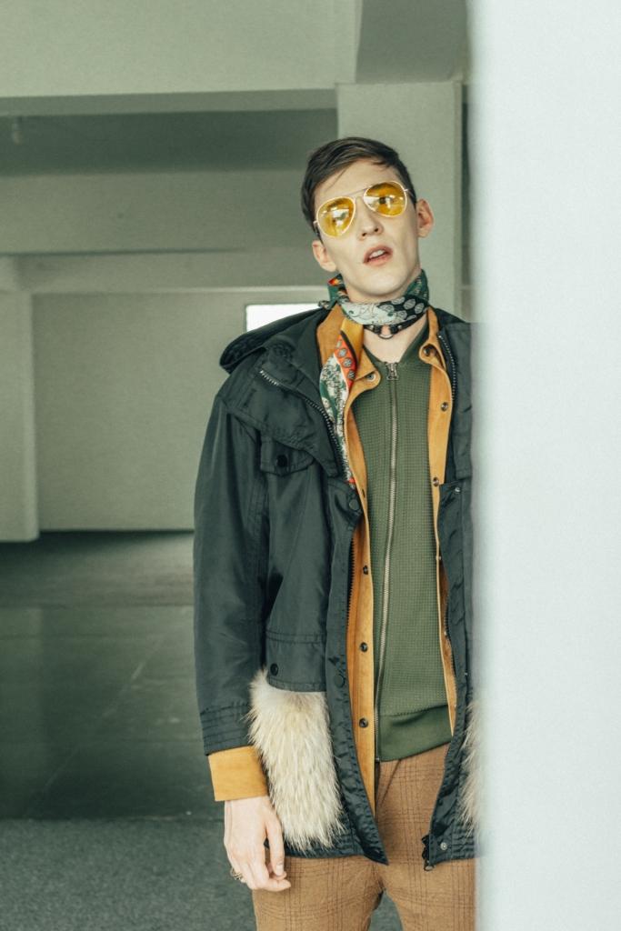 Adidas - Sweatshirt, José Sánchez - Suede shirt, Bimba y Lola - Jacket, Your Neighbors - Pants, Vintage glasses, Wicca - Choker, Stylist's scarf